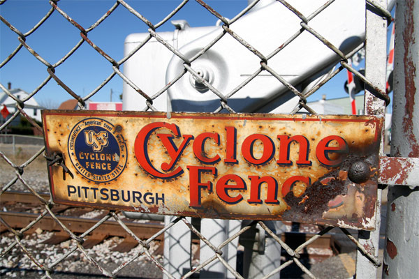 Cyclone_fence