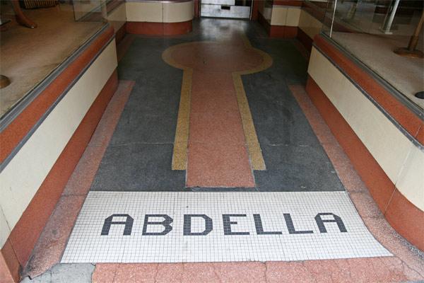 Glove_abdella