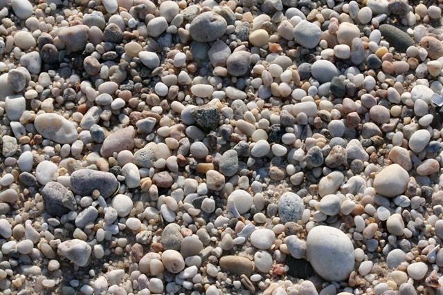 Wadingriver_rocks