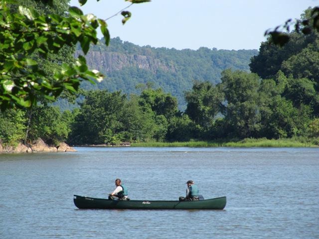 Inwood_canoe