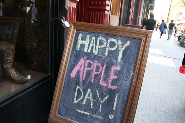 Apple_day2011