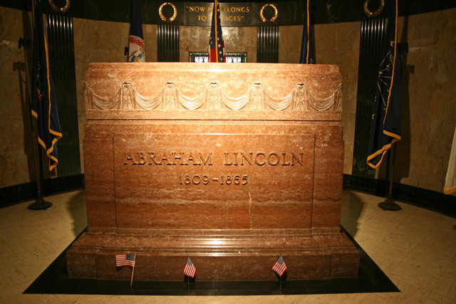 Lincoln_cenotaph