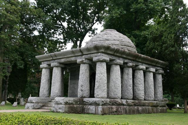 Flintstone_tomb