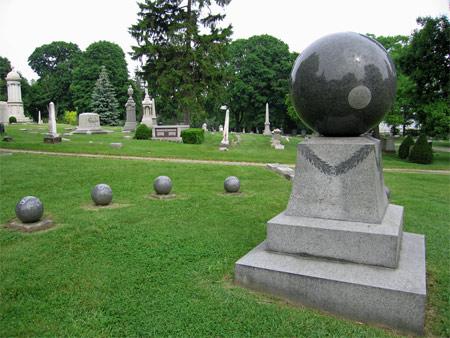Round_tombstone