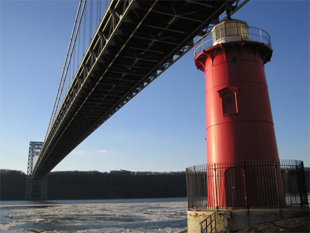 Littlered_gwb_0211