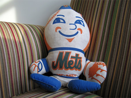 Mr_met_chair