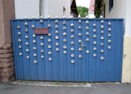 Pottery_fence_1